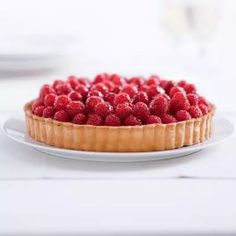 Weekend Recipe: Classic Fresh Fruit Tart with Pastry Cream | KCET Cake Filling Recipes, Pastry Recipes, Tart Recipes, Dessert Recipes, Panna Cotta, Fresh Fruit Tart, Fruit Birthday Cake, Mango, Raspberry Tarts