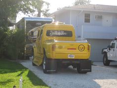 Now this is an awesome Steelers Truck! Pitsburgh Steelers, Here We Go Steelers, Pittsburgh Steelers Football, Pittsburgh Pa, Steelers Stuff, Steelers Terrible Towel, Chuck Noll, City Super, Autos