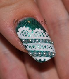 Lace Nail Art Designs - Green Glitter with white lace nail art and white half seed pearls Nail Art Designs, Fingernail Designs, Acrylic Nail Designs, Nails Design, Fabulous Nails, Gorgeous Nails, Pretty Nails, Amazing Nails, Perfect Nails