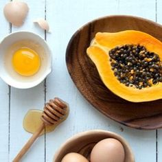Flawless Skin with  DIY Papaya Honey Face Mask (Photo & Recipe credit you beauty.com)  1/2 ripe papaya, skinned and seeded 1 beaten egg white 1 tablespoon of honey Mix all the ingredients together in a blender until smooth. Apply the mask and leave on for 20 minutes. Rinse and pat dry.  #diyfacemask #papayafacemask #eggfacemask #honeyfacemask #facemask #naturalskincare #foodstyle #beauty #beautystyle #beautyblogger #flawlessskin #face #winterskincare #antiaging #clearskin #foodblog