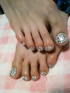 Beautiful Shining Diamond Toes