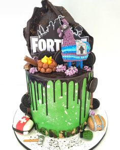 It seems that the Fortnite cakes season began 😎 . Barney Birthday, 12th Birthday Cake, Cake Cookies, Cupcake Cakes, Cupcakes, Decoration Patisserie, Drip Cakes, Cakes For Boys, Buttercream Cake