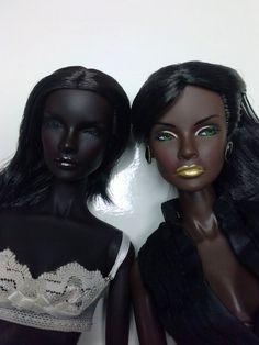 https://flic.kr/p/Si8J5s | Jordan_comparison skintones | left: Ooak Jordan by emilia on ebony skintone Nuface 1 body right: Jordan FW enhanced by idrusa on her own FR tall body