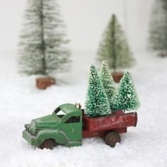 Christmas Tree Truck Decoration could do this with Dad's toys Merry Little Christmas, Christmas Love, Country Christmas, Vintage Christmas, Christmas Holidays, Christmas Crafts, Christmas Decorations, Christmas Ornaments, Xmas