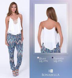 Esta hermosa blusa con un aplique en piedras en su escote y ondas muy femeninas, combinado con este pantalón con un diseño geométrico, será un outfit con el que te sentirás fresca y elegante.  Precio Blusa: http://bonabella.com.co/producto/blusa-21996/ Precio Pantalón: http://bonabella.com.co/producto/pantalon-21990/