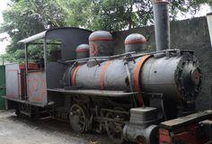 Locomotora Línea Santa Bárbara - El Vigia. Caracas, Vzla. - Vieja locomotora que recorría la zona sur del Lago de Maracaibo, Edo. Zulia., Venezuela. Se encuentra en el Museo del Transporte en Caracas. - Fotolog