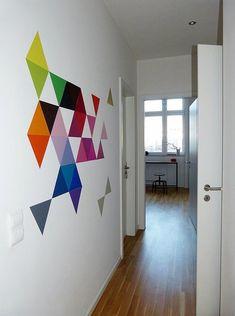 Farbflash& DIY triangle wall decor The post Farbflash& & DIY Ideen appeared first on Geometric decor . Diy Wall Art, Diy Wall Decor, Diy Home Decor, Room Decor, Diy Wand, Wall Design, House Design, Design 3d, Triangle Wall