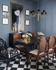 Raul Martins' elegant dining space via Hab Chic.