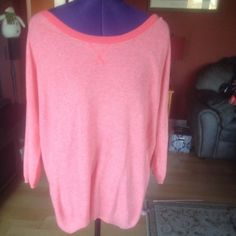 ⚡️FLASH SALE⚡️ Pink hi-lo sweater Very cute and comfortable pink hi-lo sweater. Only worn once. In great condition! Aeropostale Sweaters