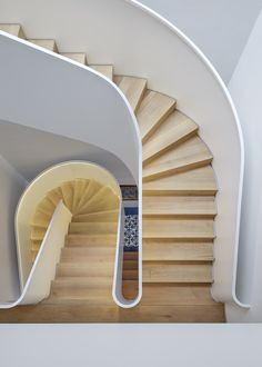 How to choose and buy a new and modern staircase – My Life Spot Interior Staircase, Modern Staircase, Spiral Staircase, Staircase Design, Steel Stairs, Wood Stairs, House Stairs, Architecture Design, Modern Architecture House
