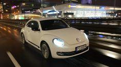 Sam w sobie jest jeżdżącym gadżetem na kołach. VW Beetle 2.0 TDI DSG z systemem dźwiękowym Fender zamienia się zaś w małą salę koncertową.  Czytaj więcej na http://www.magazynauto.pl/testy/testy-porownania/news-volkswagen-beetle-2-0-tdi-dsg-fender-test,nId,949840?utm_source=paste_medium=paste_campaign=firefox