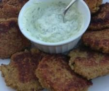 Recipe Quinoa Fritters - Bill Granger recipe by Nina Martin, learn to make this recipe easily in your kitchen machine and discover other Thermomix recipes in Main dishes - vegetarian. Veg Recipes, Light Recipes, Clean Recipes, Vegetarian Recipes, Bill Granger, Best Cooker, Kid Friendly Meals, Fritters, Quinoa