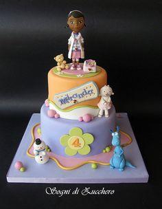 Dottie Doc McStuffins cake - by SogniDiZucchero @ CakesDecor.com - cake decorating website
