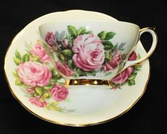 ROYAL WINDSOR ENGLAND PINK MOSS ROSES GOLD WIDE TEA CUP AND SAUCER