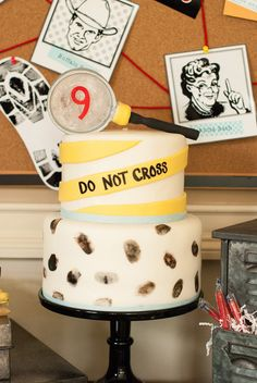 Detective Party cake