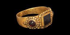 Gold and Garnet Finger Ring, Eastern European, 16th century