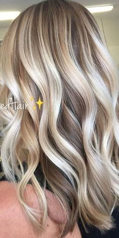 Ultra Flirty Blonde Hairstyles You Have To Try; Haircuts with layers; Haircuts with bangs; Trendy hairstyles and colors Women haircuts. blonde hair styles Ultra Flirty Blonde Hairstyles You Have To Try Balayage Hair, Ombre Hair, Balayage Highlights, Color Highlights, Platinum Blonde Highlights, Ash Ombre, Brunette Ombre, Haircolor, Blond Hairstyles