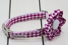 Collar para perro con flor cuadros vichy rosa chicle - El Atelier de Teo  www.elatelierdeteo.com