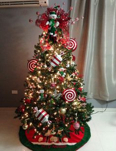 red and white christmas candy themed christmas tree christmas tree decorating tips themed