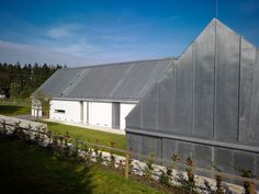 house kloko prague studio pha white barn gray remodelista better gathering place for christmas than this barns amp living Living In A Shed, Modern Barn House, Beach House Plans, Small Buildings, Shed Homes, White Barn, Country Style Homes, Plantar, New Home Designs