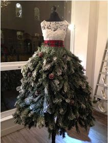 Christmas tree dresses – probably too warm and scratchy to make into an actual d… - Weihnachtskleid DIY Mannequin Christmas Tree, Dress Form Christmas Tree, Recycled Christmas Tree, Creative Christmas Trees, Christmas Home, Christmas Tree Decorations, Christmas Wreaths, Christmas Dresses, Xmas Tree