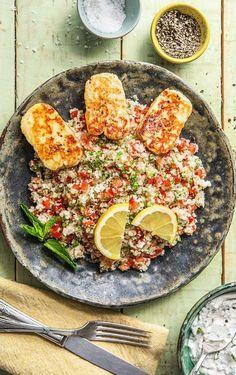 Step by Step Rezept: Arabischer Halloumiauf einem Tabbouleh aus gebratenen Blumenkohl. Veggie / Vegetarisch / Orientalisch / Salat / Gesund / Kochen / 35 Minuten / Low Carb / Kalorienarm / Glutenfrei #hellofreshde #kalorienarm #lowcarb #veggie #diy #kochen #rezept #glutenfrei