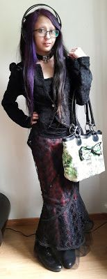 Victorian goth daytime outfit
