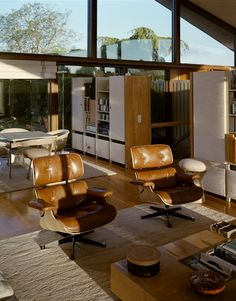 Home Decor Living Room Marcel Breuers Sayer House in Normandie - Mid Century Home.Home Decor Living Room Marcel Breuers Sayer House in Normandie - Mid Century Home Mid Century Decor, Mid Century House, Interior Architecture, Interior Design, Interior And Exterior, Interior Ideas, Marcel Breuer, Lounge Chair, Decoration Inspiration