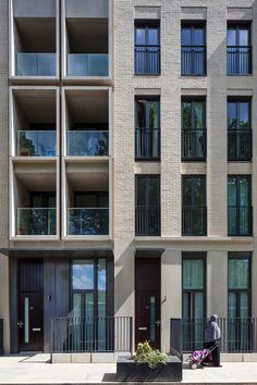 29 Ideas exterior architecture facade inspiration for 2019 Building Exterior, Building Facade, Building Design, Brick Architecture, Residential Architecture, Architecture Details, Computer Architecture, Brick Design, Facade Design