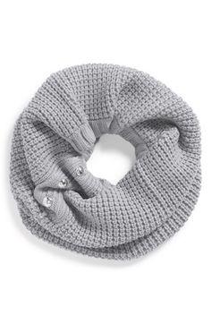 Loving this Michael Kors knit neckwarmer http://rstyle.me/n/s5rbmnyg6