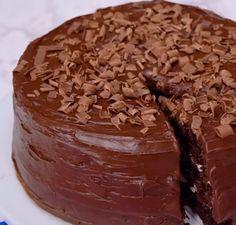 Hersheys Chocolate Cake with Cream Cheese Filling & Chocolate Cream Cheese Buttercream