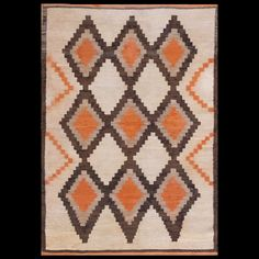 Id: General Rug Type: American Specific Rug Type: Navajo Circa: 1930 Color: Ivory Origin: USA Width: ( cm ) Length: ( cm ) Navajo Weaving, Navajo Rugs, Chinese Rugs, Native American Rugs, Decorative Rugs, Southwest Style, Carpet Ideas, Rugs Online, Woven Rug
