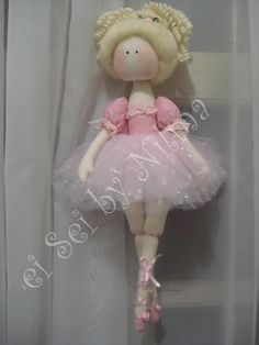 Boneca Bailarina Nina