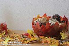 DIY – dekorative Schale aus herbstlichen Blättern Leaf Bowl DIY Video #youtube #deko #leafbowl #blätter #german #video #diy #schale