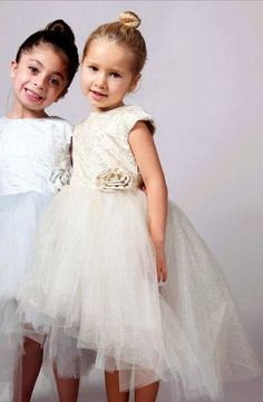 10 Adorable Holiday Dresses for Your Little Girl! Girls Holiday Dresses, Holiday Outfits, Winter Dresses, Little Girl Dresses, Girls Dresses, Flower Girl Dresses, Elegant Girl, Baby Couture, Little Fashionista