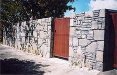 Bombay stone gives a modern edge to this wall