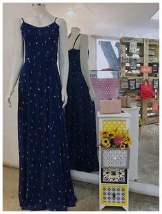Você sabia que produções com cintura marcada deixam o look mais femininos? Escolha seu modelo favorito em www.zasloja.com.br! 😁❤️