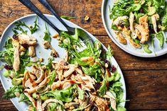 Salade de roquette au poulet et aux canneberges – Savourer par Geneviève O'Gleman Thai Recipes, Healthy Dinner Recipes, Salad Recipes, Healthy Food, Yummy Food, Chefs, Best Pad Thai Recipe, Confort Food, Fodmap Recipes