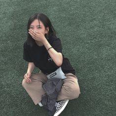 cute girl ulzzang 얼짱 pretty kawaii adorable beautiful hot fit korean japanese asian soft aesthetic 女 女の子 g e o r g i a n a : 人 Ulzzang Girl Fashion, Style Ulzzang, Korean Girl Fashion, Ulzzang Korean Girl, Cute Korean Girl, Korean Ootd, Ulzzang Hair, Uzzlang Girl, Photography Women