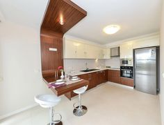Modern Luxury Kitchens For A Grand Kitchen Kitchen Room Design, Kitchen Sets, Living Room Kitchen, Interior Design Kitchen, Kitchen Decor, Luxury Kitchens, Home Kitchens, Small Kitchen Makeovers, Condominium Interior