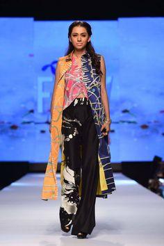 Telenor-Fashion-Pakistan-Week-Sania-Maskatiya-Khayat-the-Tailor-Dresses-12