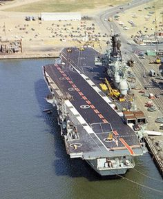 Royal Navy Aircraft Carriers, Hms Ark Royal, Carrier Strike Group, Capital Ship, Indian Navy, Us Navy Ships, P51 Mustang, Yacht Design, Flight Deck