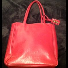 Ladies BUENO Handbag Nice red BUENO handbag...very clean...gently used.... Bueno Bags