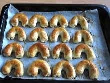 Orechové a makové rožteky Bagel, Deserts, Bread, Baking, Food, Basket, Brot, Bakken, Essen