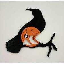 Vinyl crafted into Huia bird Bird Silhouette, Vinyl Crafts, Scroll Saw, New Zealand, Nativity, Stencils, Moose Art, Clock, Birds