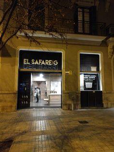 El Safareig del Barri. Carrer d'Aragó 104, 08015 Barcelona. Más información en: http://www.elsafareigdelbarri.com http://self-service-laundry-barcelona.blogspot.com.es/ https://www.youtube.com/channel/UCkcO1cU2ULBNm7F1mCjwCZg https://www.yelp.es/biz/el-safareig-del-barri-barcelona https://www.facebook.com/selfservicelaundrybarcelona https://www.instagram.com/lavanderiabarcelona/ https://twitter.com/ElSafareig_BCN https://www.pinterest.es/elsafareigdelbarri/self-service-laundry-barcelona/