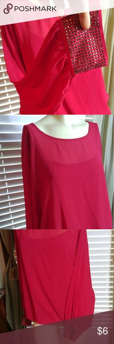 Blouse Nice in good condition IZOD Tops Blouses