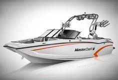 Mastercraft X20 Wakesurfing Boat