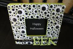 DIY Googly Eyes Halloween Frame.