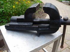 BIETE SCHRAUBSTOCK - BACKENBREITE 120 mm - GEWICHT 41,5 Kg LÄNGE 60 cm - HÖHE 25…
